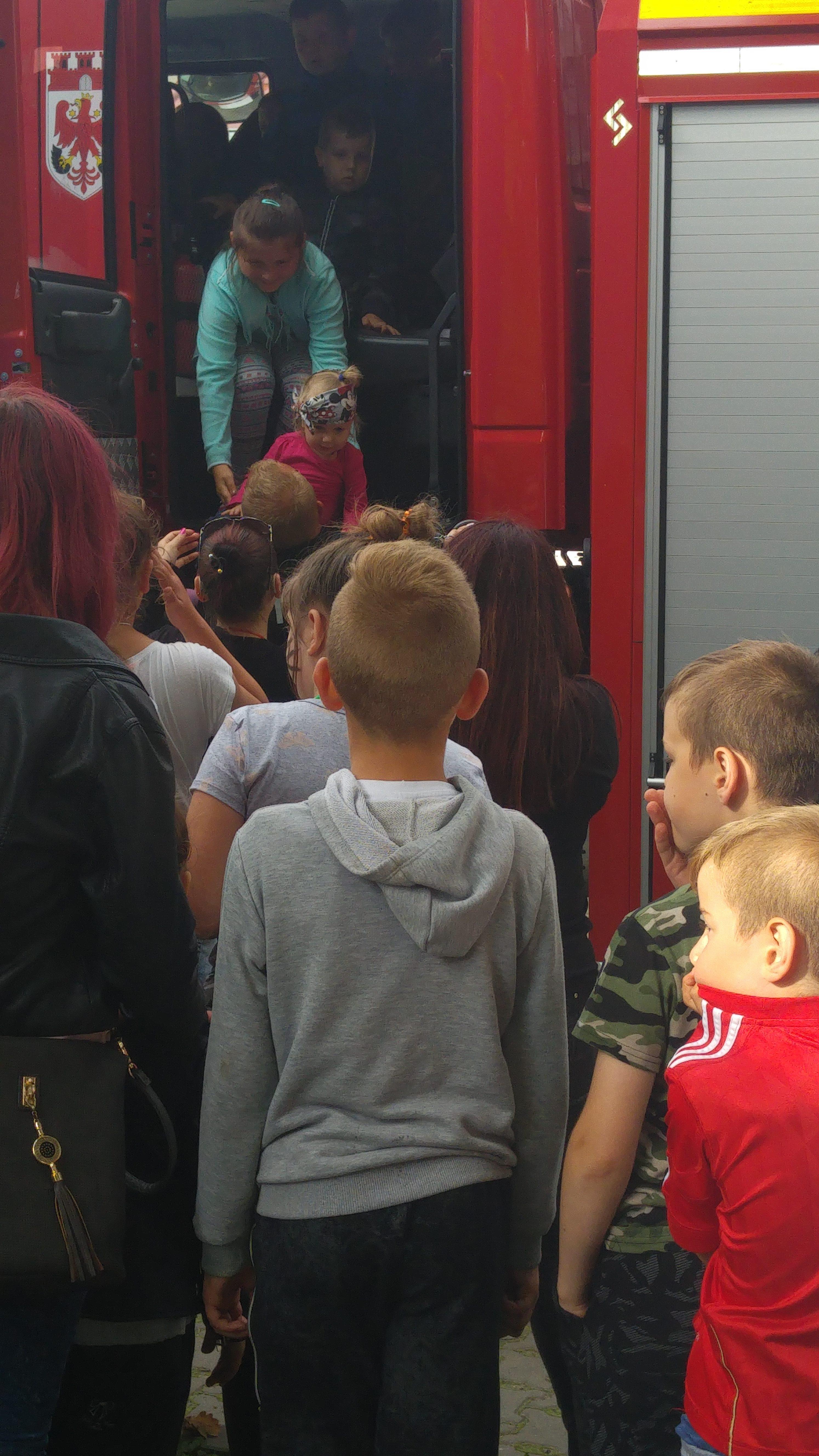 Mobilna Pomagalnia Społeczna 24-25.06.2017r. Fundacja e-medycyna 43